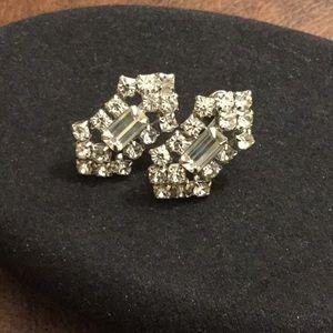 Jewelry - Vintage rhinestone screw back earrings, GUC